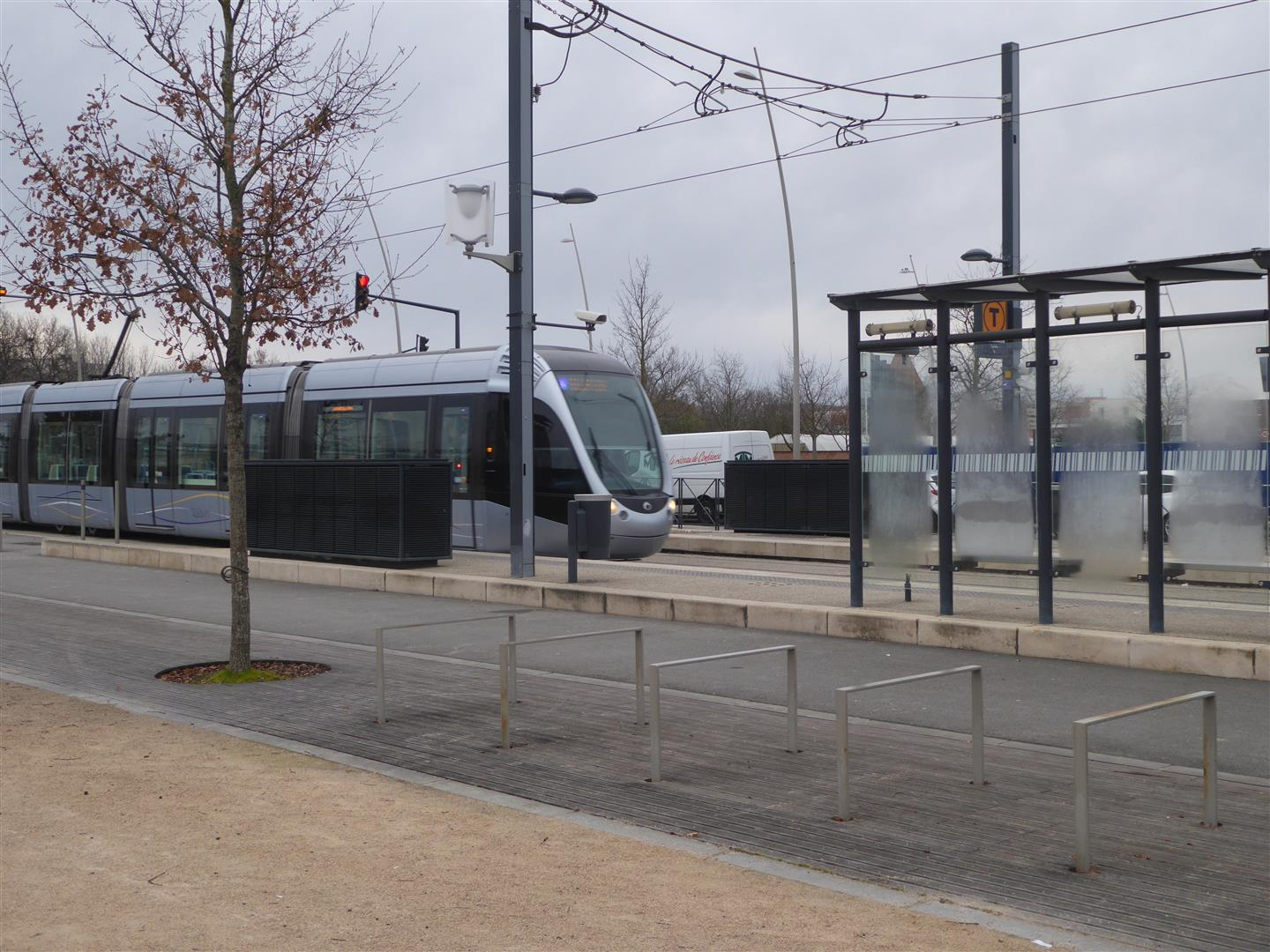 2 Le tramway